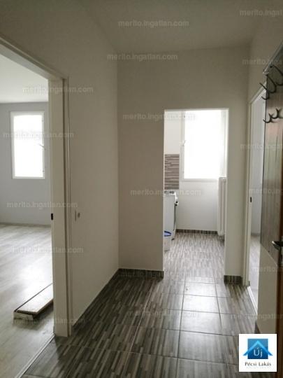 Kiadó 40nm-es 2 szobás panel lakás pécsen